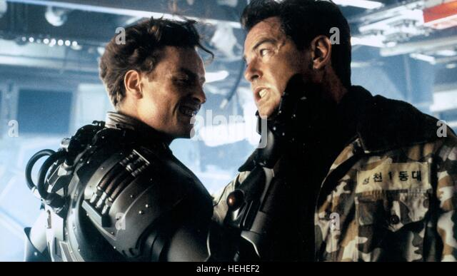 TOBY STEPHENS & PIERCE BROSNAN JAMES BOND: DIE ANOTHER DAY (2002) - Stock Image