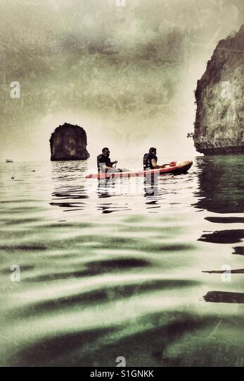 Kayaking at Halong Bay, Vietnam. - Stock-Bilder