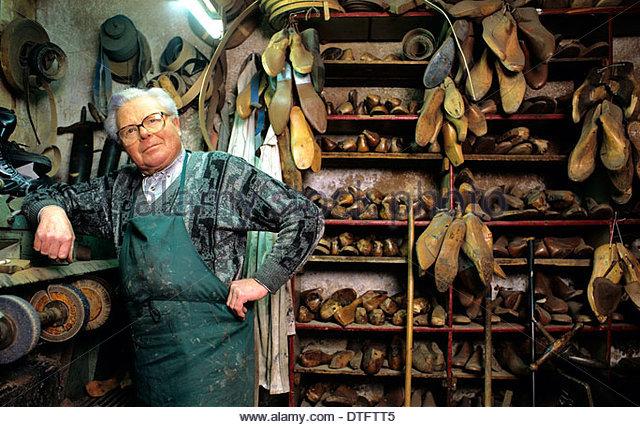 Hans Shoe Repair