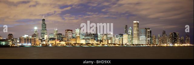 Chicago Skyline viewed over Lake Michigan - Stock Image