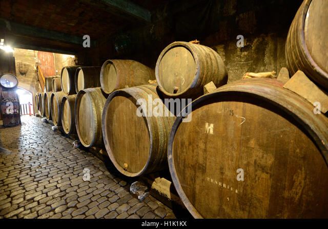 wine vault stock photos wine vault stock images alamy. Black Bedroom Furniture Sets. Home Design Ideas