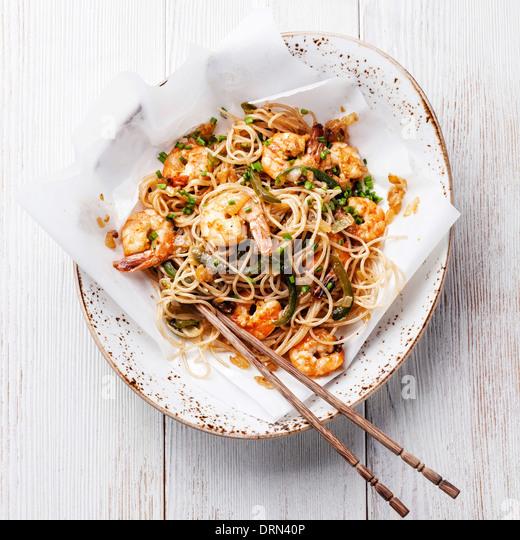 Thai rice noodles with shrimp - Stock Image