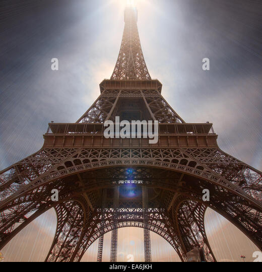 France, Paris, Low angle view of Eiffel Tower - Stock Image