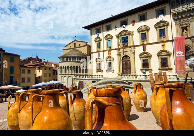 Antiquarian fair of Arezzo, Piazza Vasari, Arezzo, Tuscany, Italy, Europe - Stock-Bilder