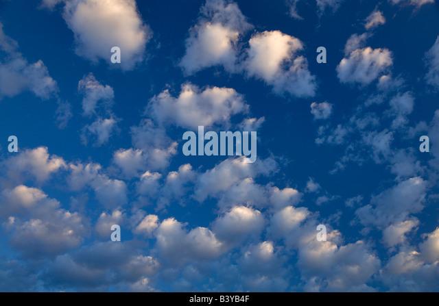Puffy clouds Wallow County Oregon - Stock-Bilder