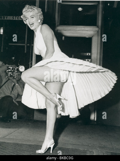THE SEVEN YEAR ITCH (1955) MARILYN MONROE SYIT 004P - Stock Image