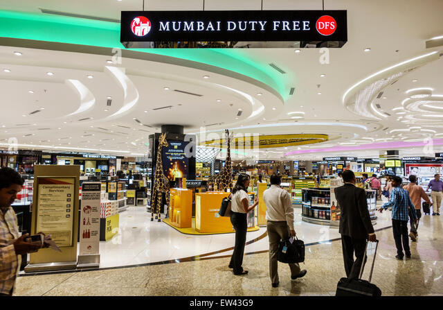 Mumbai India Indian Asian Chhatrapati Shivaji International Airport terminal concourse shopping DFS Duty Free sale - Stock Image