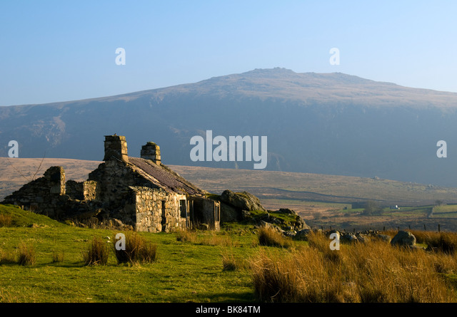 Mynydd Craig-goch, Nantlle Ridge, from an abandoned farm by the track to Cwm Silyn, Snowdonia, North Wales, UK - Stock Image