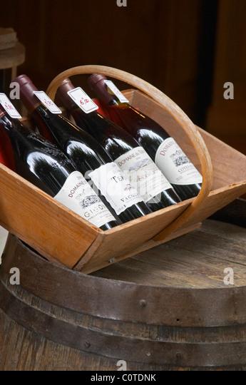 wine shop domaine du terme gigondas rhone france - Stock Image