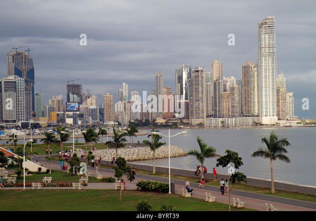 Panama City Panama Cinta Costera Pacific Ocean Coastal Beltway Bahia de Panama linear park skyline skyscraper new - Stock Image