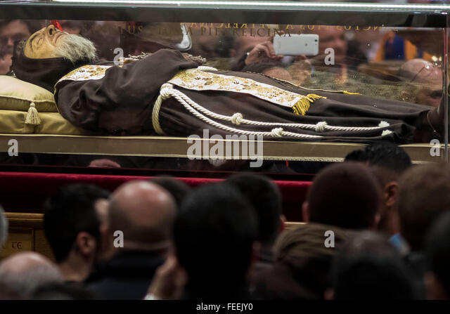 Vatican City, Vatican. 05th Feb, 2016. The relics of Saint Pio of Pietrelcina, better known as Padre Pio, and Saint - Stock Image
