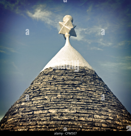 the roof of a trullo - a typical house in Puglia - Stock Image