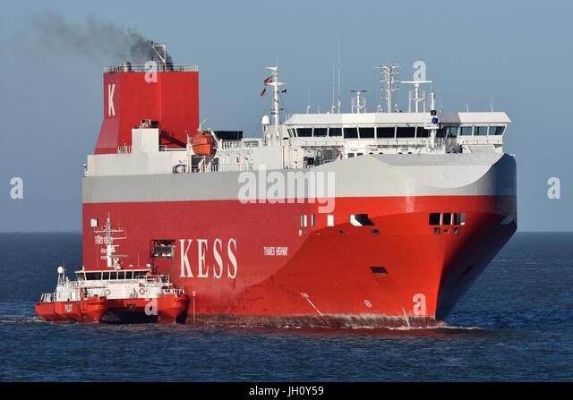 Thames Highway taking pilot off Cuxhaven - Stock Image