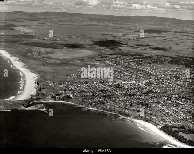 Wollongong looking south-west circa 1936 RAHS  [RAHSAdastra Aerial Survey - Stock Image