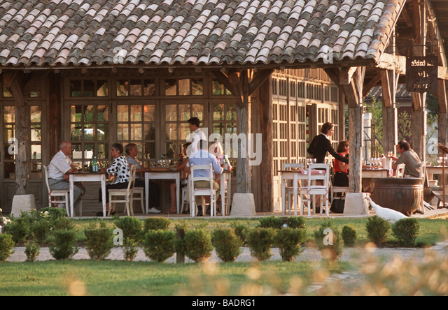 Lavoir france stock photos lavoir france stock images - Restaurant martillac la table du lavoir ...