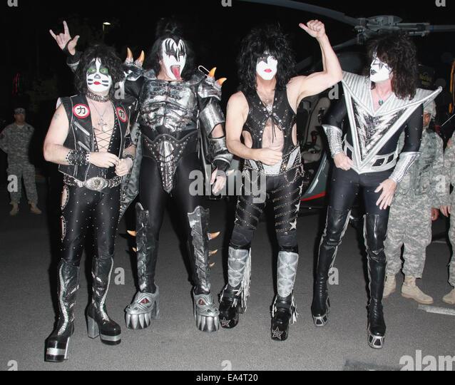 Kiss Tommy Thayer Makeup: Gene Simmons Rock Band Kiss Stock Photos & Gene Simmons