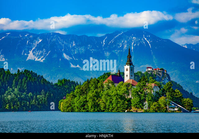Island and church on Lake Bled, Julian Alps, Slovenia, One of Europe's most beautiful alpine resorts - Stock-Bilder