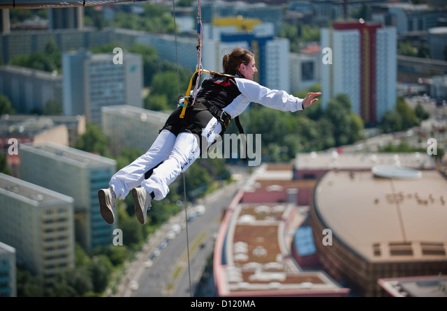 woman bungee jumping stock photos woman bungee jumping stock images alamy. Black Bedroom Furniture Sets. Home Design Ideas