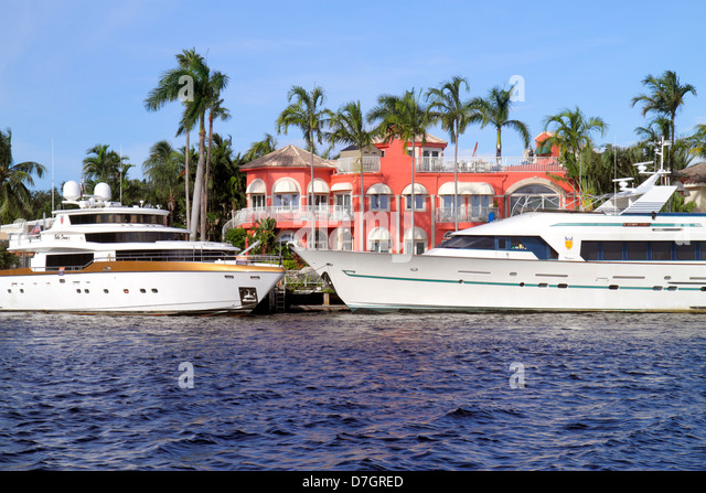 Fort Lauderdale Florida Ft. Intracoastal Waterway boat mega yacht house mansion water - Stock Image