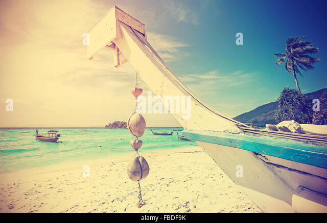Retro stylized tropical beach, summer holidays concept. - Stock-Bilder