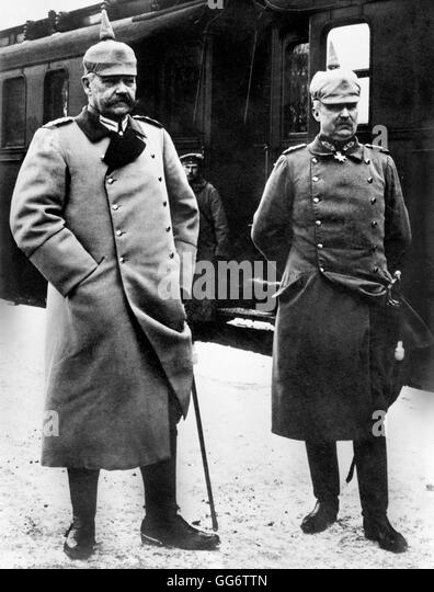 Field Marshal Paul von Hindenburg (1847-1934), Chief of the German General Staff, and his deputy, Erich Ludendorff - Stock Image