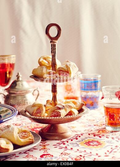 Still life of turkish delight cookies on cake stand - Stock-Bilder
