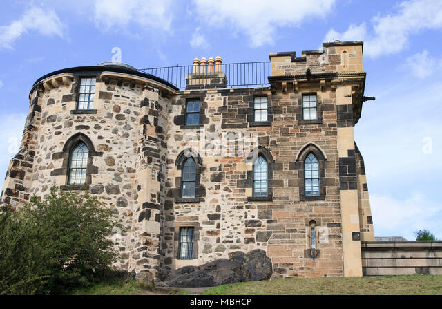 Old building in edinburgh stock photos old building in for Classic house edinburgh