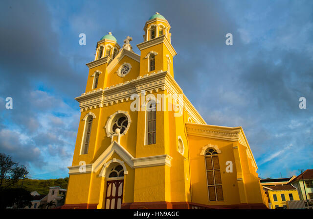 Yellow church at Willemstand, Curacao, Caribbean Sea , Capitol of  former Dutch Antilles island - Stock-Bilder