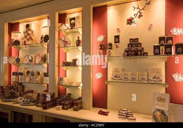 Vienna Austria Cafe Sacher interieur confiserie - Stock Image