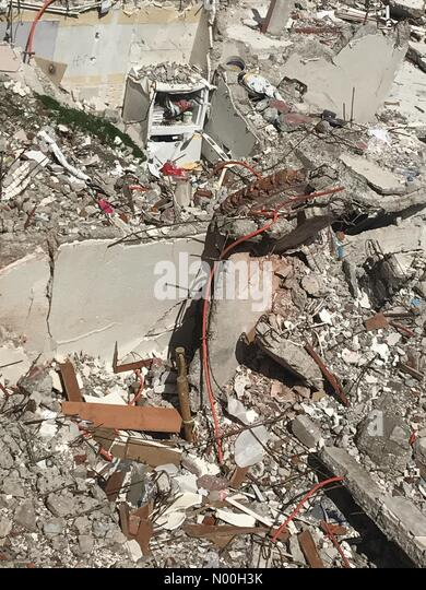 Mexico City, Mexico. 6th Oct, 2017. The rubble of a building that collapsed in Amsterdam & Laredo streets after - Stock Image