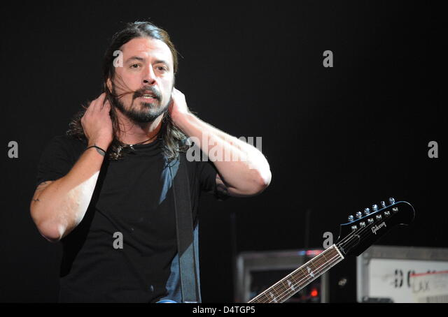 Dave Grohl Foo Fighters Performing Stock Photos Amp Dave