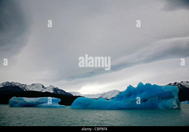 Icebergs at Lago Argentina, Los Glaciares National Park, El Calafate area, Santa Cruz province. Patagonia. Argentina. - Stock Image