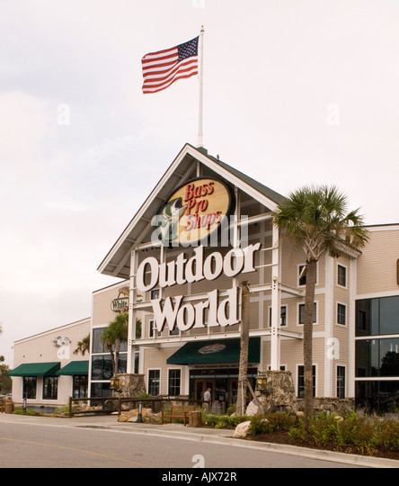 Hotel at a Glance: Best Western Orlando Gateway Hotel. This family-friendly hotel is just half a mile from Universal Orlando, 6 miles from SeaWorld, and 9 miles from Walt Disney World® Theme henpoi.tk: $
