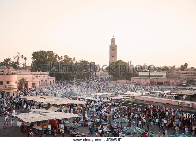 Market stalls at sunset, Jamaa el Fna Square, Marrakech, Morocco - Stock-Bilder