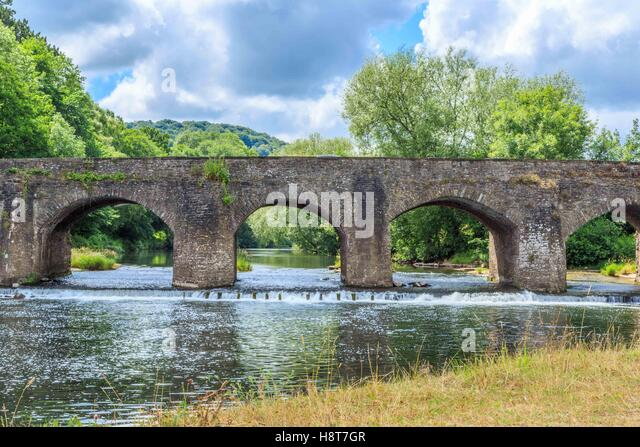 A stone bridge over the Rover Wye in England, UK - Stock Image