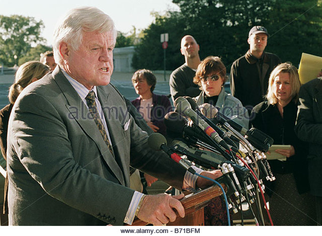 10 18 01 ANTHRAX ATTACKS Sen Edward M Kennedy D Mass during a news conferenc at the Senate Swamp to announce that - Stock Image