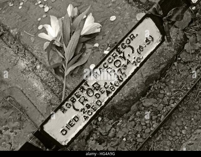 Monochrome Rob Roys grave  Balquhidder, - Robert 'Rob' Roy MacGregor - Stock Image