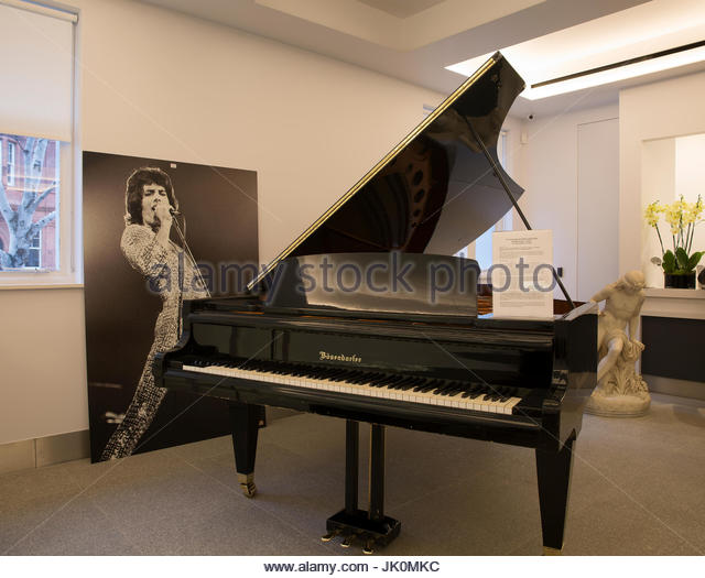 Knightsbridge,UK,12th December 2016,Imperial Bšsendorfer concert grand piano played by Queen, Coldplay, Robbie Williams - Stock Image