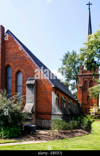 St. Peter's Episcopal church in Oxford Mississippi - Stock Image