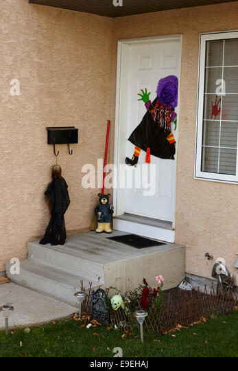 Halloween decorations house canada stock photos halloween decorations house canada stock - Halloween decorations toronto ...