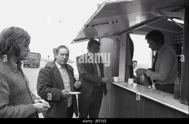 1973, historical picture of customers at the famous Blackheath Tea Hut, a well known rest stop on the A2 road at - Stock Image