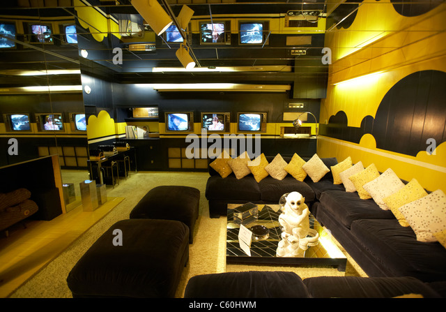 tv entertainment room in graceland mansion memphis tennessee usa - Stock Image