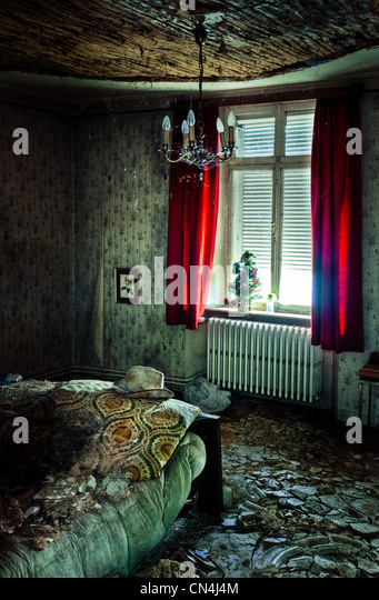 Decayed bedroom - Stock Image