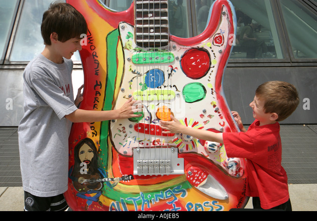 Cleveland Ohio Rock and Roll Hall of Fame GuitarMania boys brothers - Stock Image
