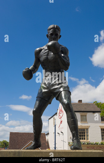 Statue of boxer Randolph Turpin, Warwick, Warwickshire, England - Stock Image