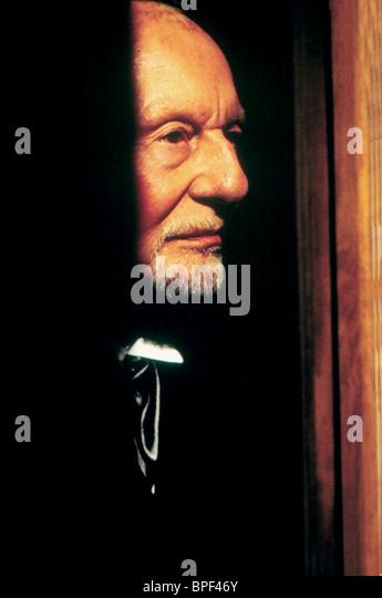 JOHN GIELGUD HAUNTED (1995) - Stock Image