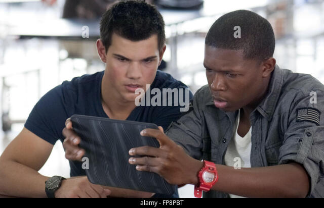 Identite secrete Abduction 2011 Real John Singleton Taylor Lautner ...
