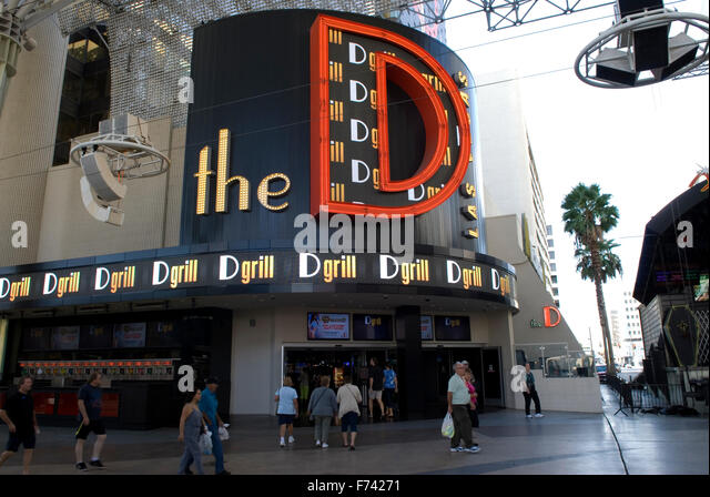 how to get free show tickets in vegas hotel