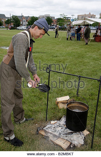 Wisconsin Kenosha Civil War Museum Civil War Days muster Park City Grays man reenactor militia camp living history - Stock Image