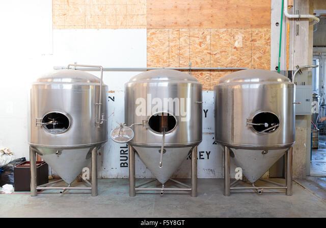 Fermenter stock photos fermenter stock images alamy for Craft a brew fermenter